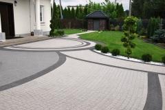 Wolica -  Libet Elegante - Piccola bianco carrara, nero; Akropol granito -  podjazd