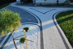 Michałowice - Libet Elegante, Colormix - Piccola bianco carrara , nero ; Akropol karbonowy - ścieżka, podjazd
