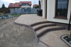 Falenty - Libet Completto -Palisada  Kravento  kasztanowy - schody na taras z kostki brukowej Libet